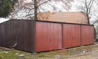 Trzystanowiskowe garaże blaszane