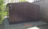 Garaż z blachy brązowej